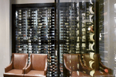 Side-On-Glass-Wine-Display-922